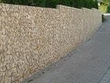 Mauer als Grundstücksgrenze