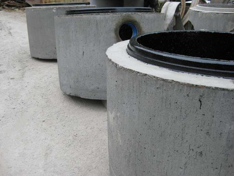 Zwei-Wege-Schacht in Rohrleitungen